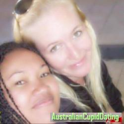 Elle_01, Australia